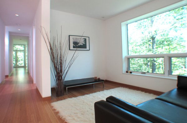 Photo 11 of Glassrock House modern home