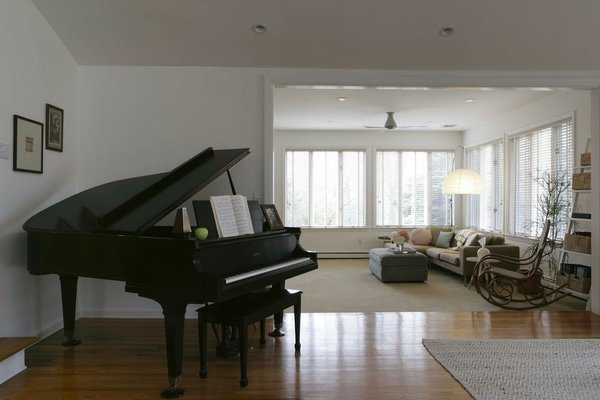 Photo 6 of Briarcliff Manor Residence modern home