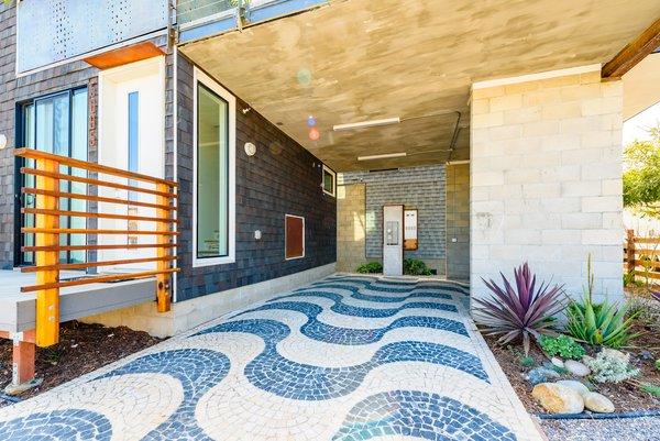 Portuguese Cobblestone Driveway Photo 6 of Prefab Modern Coastal in San Diego modern home