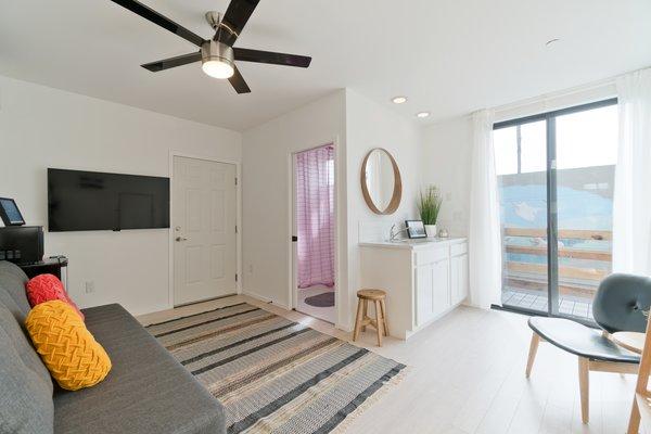 Alley Unit Ground Floor Photo 20 of Prefab Modern Coastal in San Diego modern home