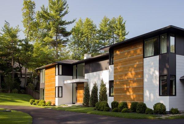 Ledgewood- Front Exterior Photo 2 of Ledgewood modern home