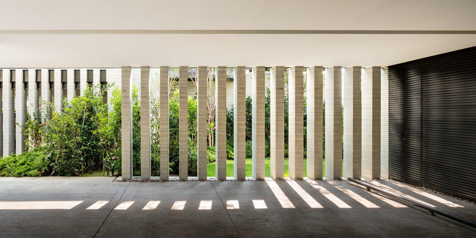Casa O Cuatro by Migdal Arquitectos