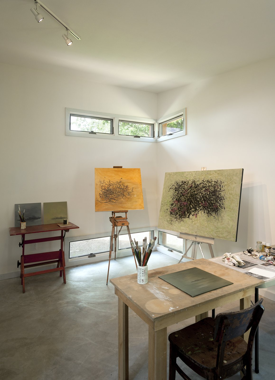 painting studio Ridge House by GriD