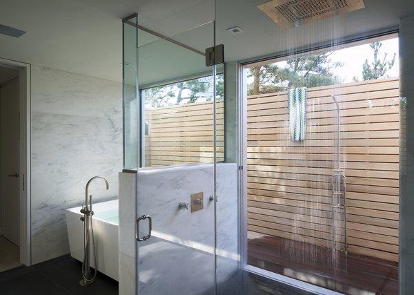 Photo 3 of Seaside modern home
