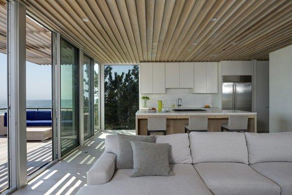 Photo 4 of Seaside modern home