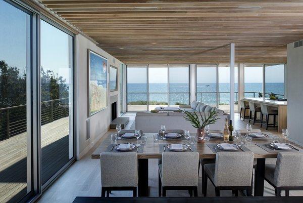 Photo  of Seaside modern home