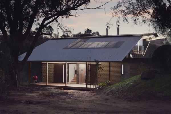 A Workshop - Toodyay Shack Photo 13 of Toodyay Shack modern home