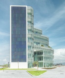 A near-to-zero-emission, LEED Gold Office Building in Tuscany - Photo 2 of 5 - Forti Holding HQ is among the biggest near-to-zero-emission building in Tuscany