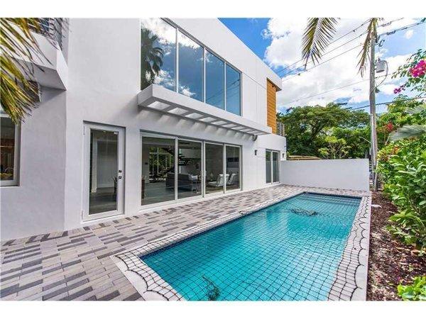 Photo 20 of Tigertail II modern home