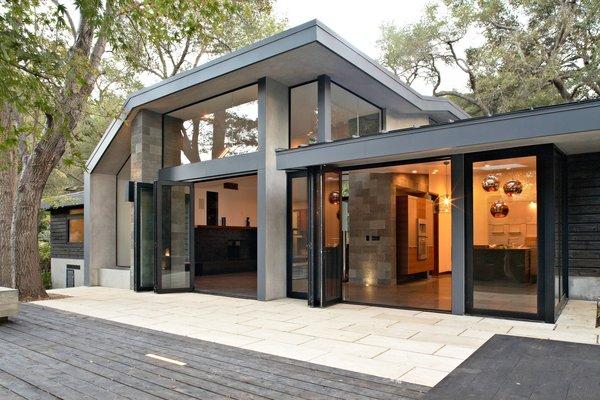 Photo 13 of Kim Residence modern home