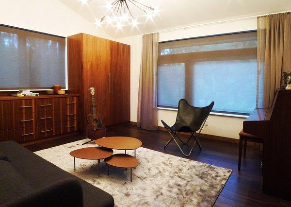 Photo 10 of Kim Residence modern home