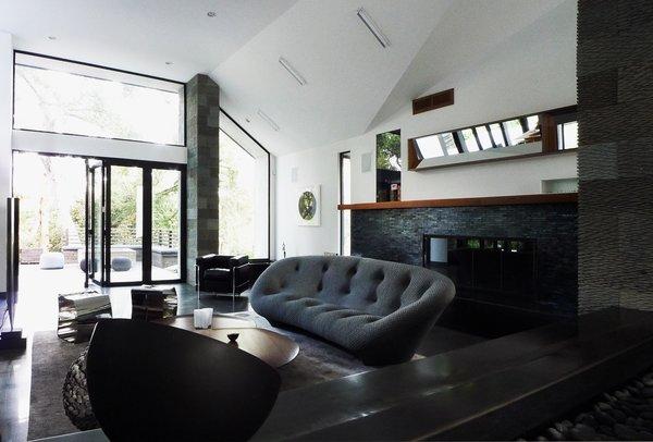Photo 7 of Kim Residence modern home