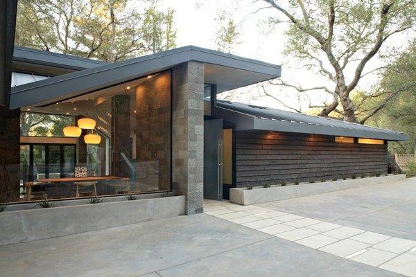 Photo 15 of Kim Residence modern home