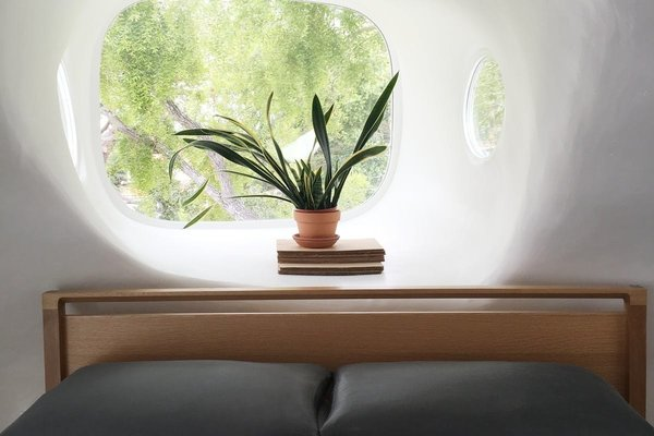 Photo 2 of Spaceship House modern home