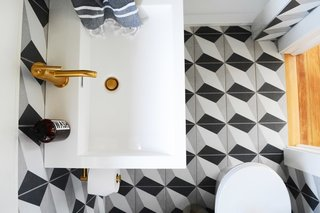 A Small 1920s Guesthouse Bathroom Gets A Modern Makeover - Photo 7 of 9 -