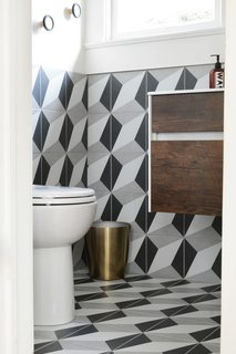 A Small 1920s Guesthouse Bathroom Gets A Modern Makeover - Photo 4 of 9 -