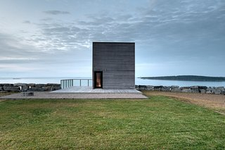 Top 5 Homes of the Week With Stunning Black, White, and Gray Facades - Photo 10 of 10 -