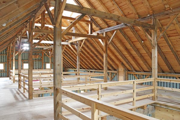 New England Barn Company adheres to the old-fashioned ethic embodied in the sturdy, long-lasting construction method of Mortise and Tenon Joinery—using pegs rather than nails.