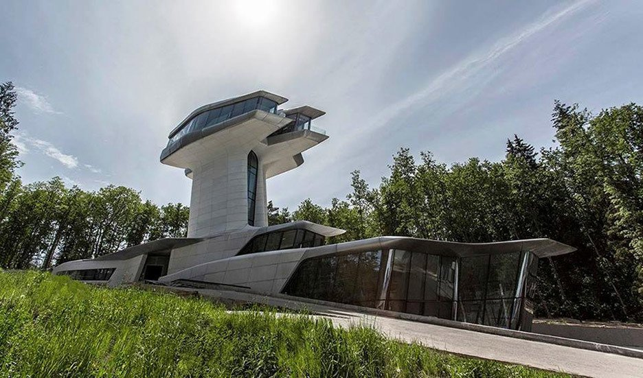 """Capital Hill Residence is a villa in Barvikha Forest close to Moscow, which was designed for Russian property developer Vladislav Doronin. Completed in 2011, it is the only private house that Hadid built during her lifetime.  Photo 11 of 18 in """"Queen of the Curve"""": 18 Influential Works by Zaha Hadid"""
