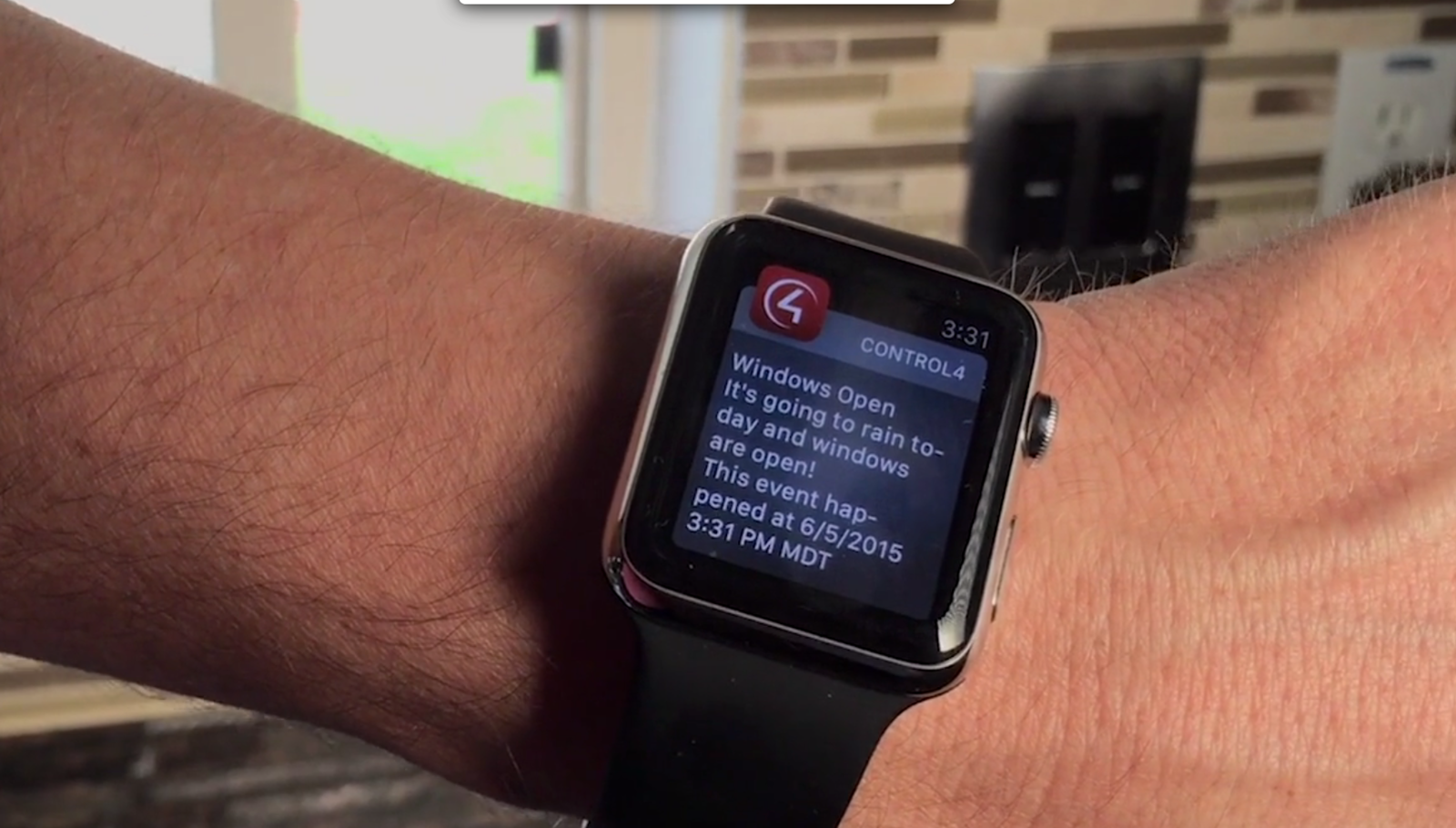 With smart home push notifications, receive proactive alerts on your mobile device or smart watch that inform you of important events happening at home, whether something is urgent and needs your attention immediately or just a simple status update to let you know things are safe and sound.