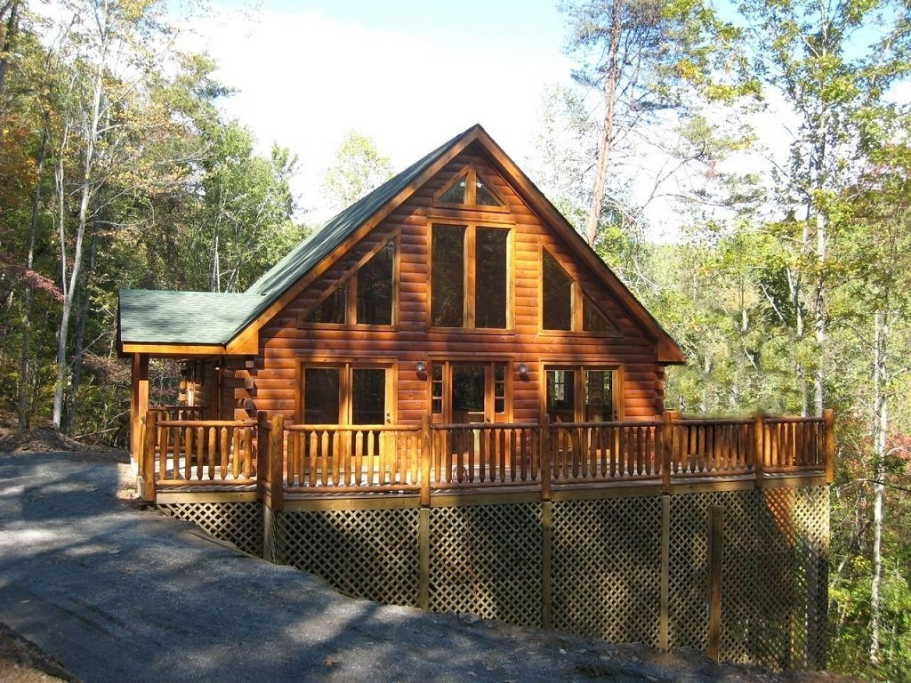 North Carolina-based Tar River Log Homes is a family-owned and operated company that believes that log homes should be affordable.