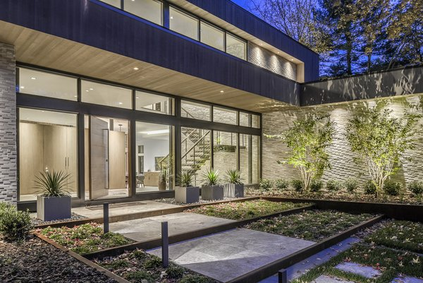 Front View Photo 3 of Ferndale House modern home