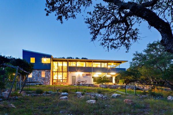 Photo  of Rancho Encino modern home