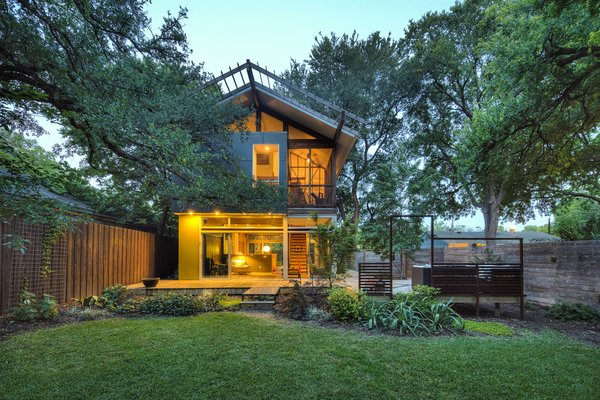 Photo  of Groveland House modern home
