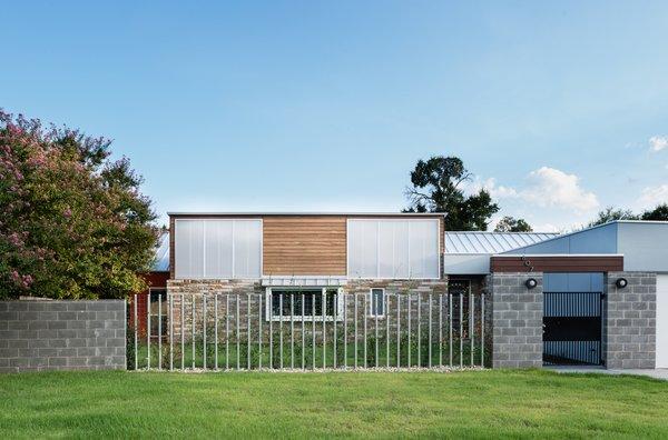 Photo  of Battle Bend modern home