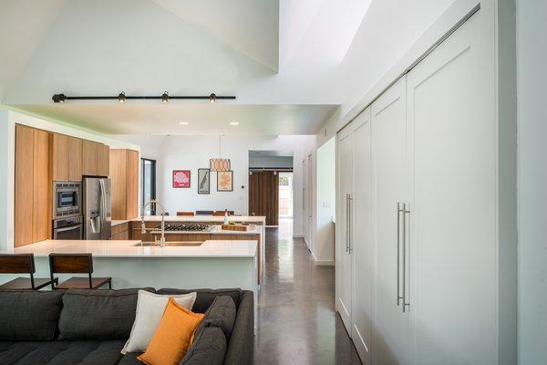 Photo 4 of Battle Bend modern home