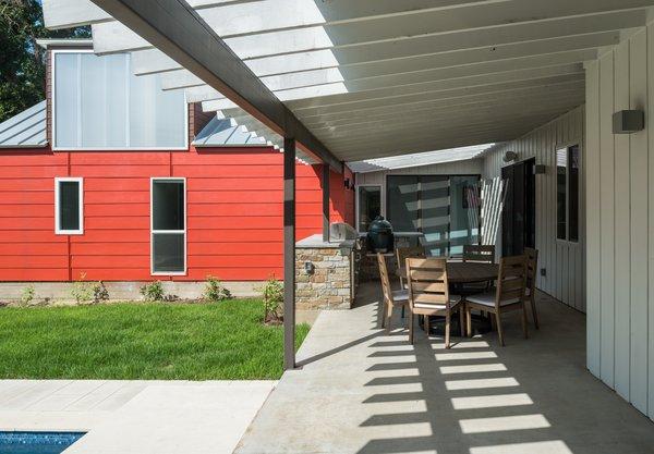 Photo 6 of Battle Bend modern home