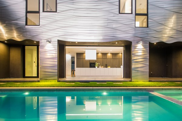 Photo 7 of Iconic Architecture by Mario Romano | 1234 Morningside Way, Venice modern home