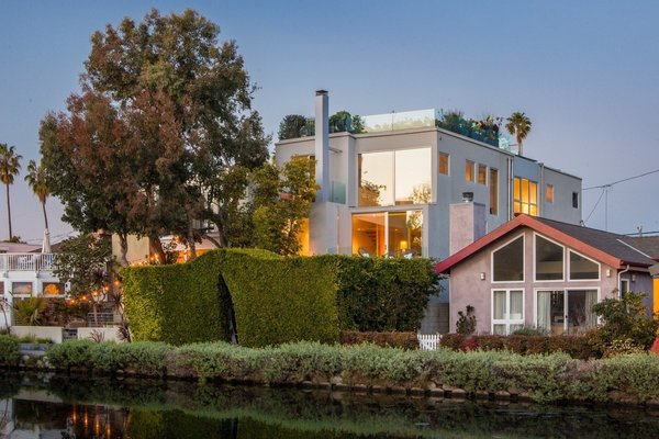 Photo 6 of Stylish Venice Canal Retreat | 2335 Eastern Canal, Venice modern home
