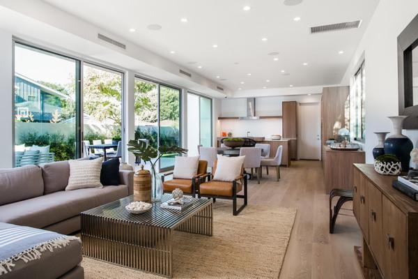 Photo  of Nature-inspired Tom Carson Venice Abode | 2000 Walnut Avenue modern home