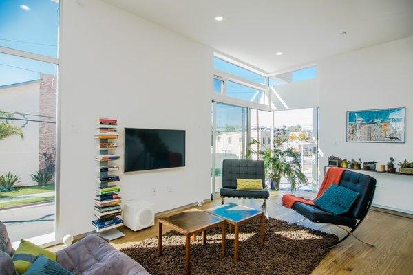 Photo 5 of Extraordinary Architectural Venice Duplex | 914-918 7th Avenue, Venice modern home