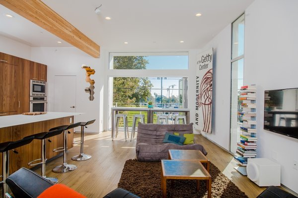 Photo  of Extraordinary Architectural Venice Duplex | 914-918 7th Avenue, Venice modern home