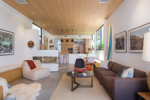 Modern home with rooftop and living room. Photo 6 of Quintessential Chic Venice Modern | 308 Grand Blvd, Venice