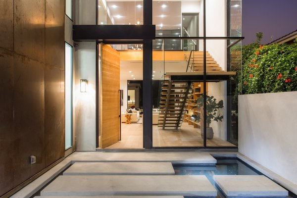 Photo 2 of European-Style Architectural Artistry | 1421 Walgrove Avenue, Venice modern home