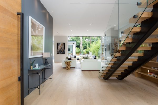 Photo 3 of European-Style Architectural Artistry | 1421 Walgrove Avenue, Venice modern home