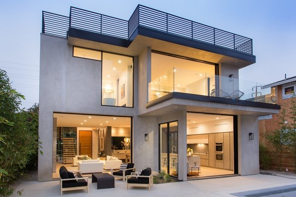 Photo 6 of European-Style Architectural Artistry | 1421 Walgrove Avenue, Venice modern home