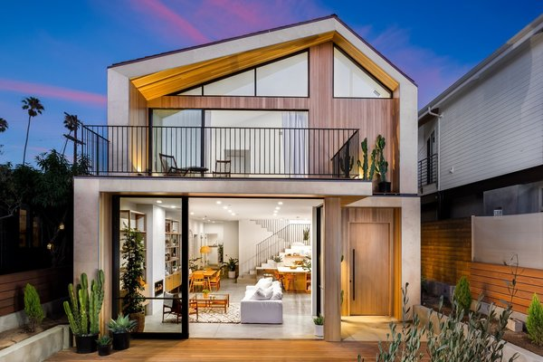 Modern home with outdoor. Photo  of Love Street Residence