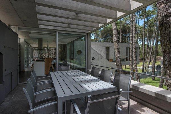 © Diego Medina Photo 4 of Casa Kuvasz modern home