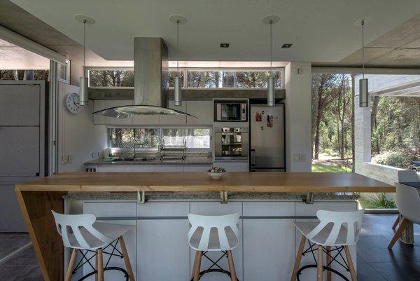 © Diego Medina Photo 9 of Casa Kuvasz modern home