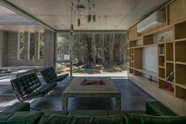 © Diego Medina Photo 7 of Casa Kuvasz modern home