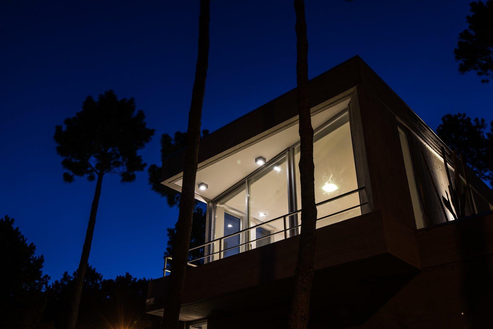 Tagged: Outdoor, Trees, Hanging Lighting, and Front Yard.  Casa Batin by Estudio Galera