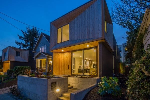Photo  of WILLIAMS AVE MODERN modern home