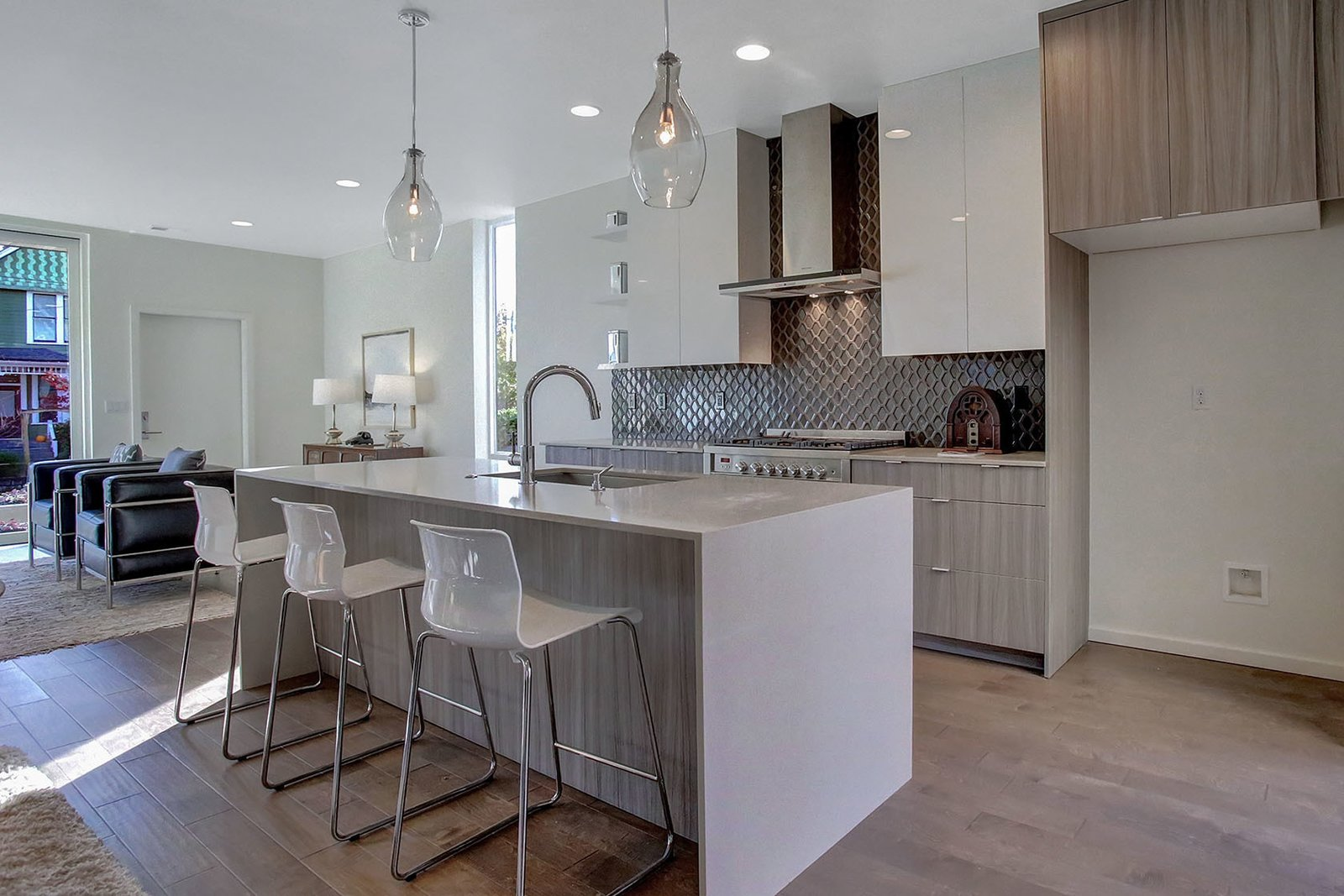 WILLIAMS AVE MODERN by Ruth Price + Dana Austin Griggs | REAL ESTATE