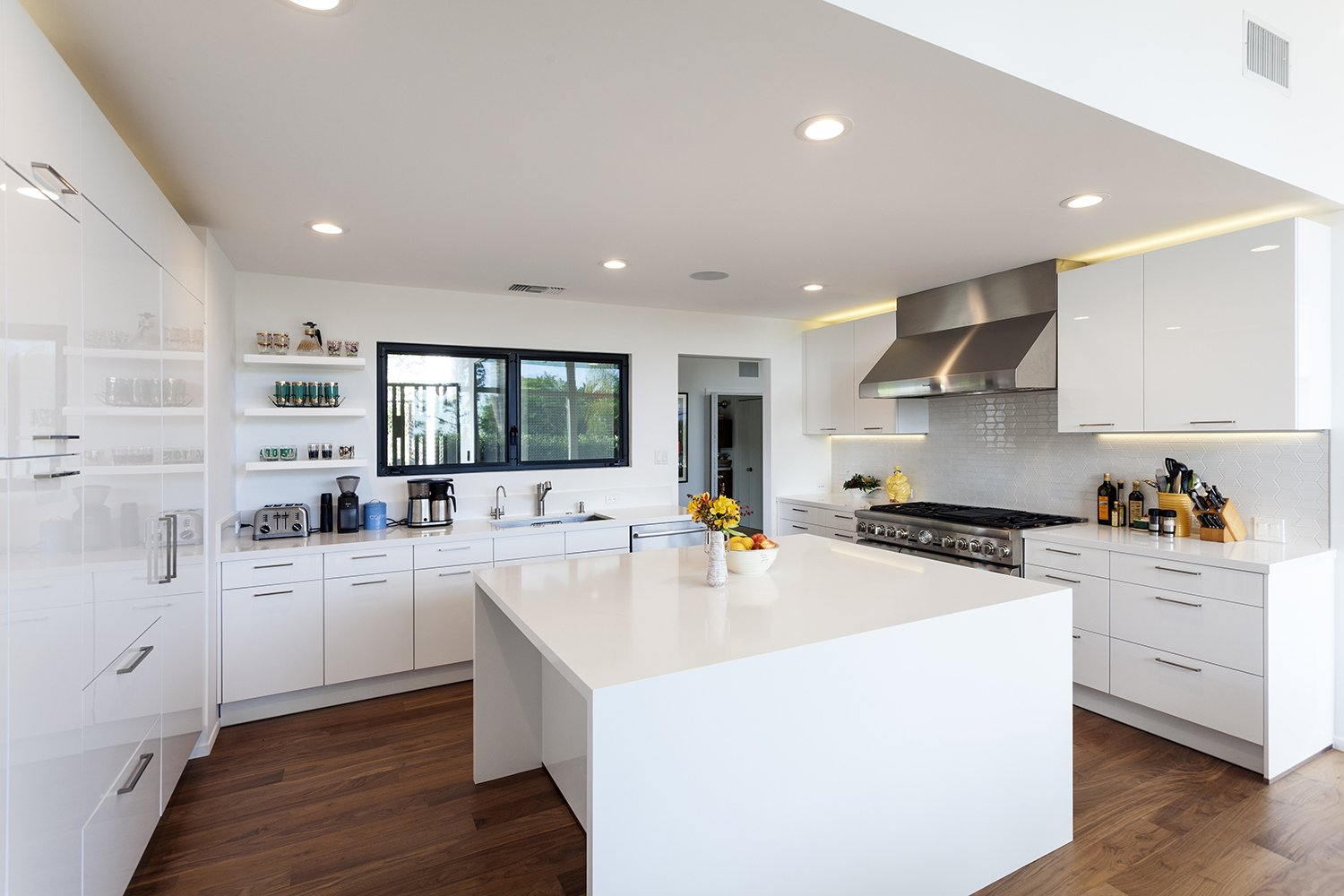 Kitchen  Thomas Residence by Lincoln Chung Architect