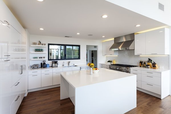 Kitchen Photo 7 of Thomas Residence modern home