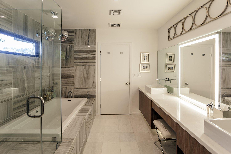 Master bath  Thomas Residence by Lincoln Chung Architect